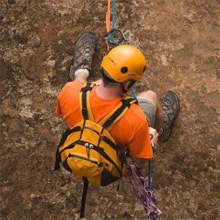 Top-Roping autonomy of Rock climbing with Roc et Glace climbing
