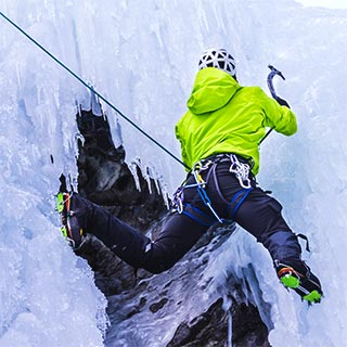 Lead climbing ice with Roc et Glace climbing